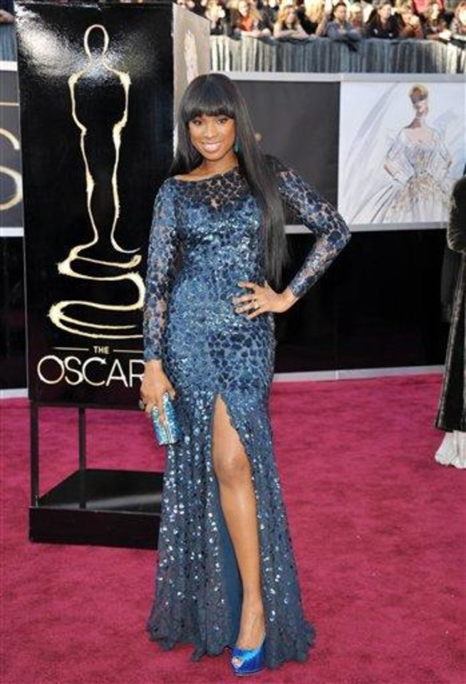Photo - Actress/singer Jennifer Hudson arrives at the Oscars at the Dolby Theatre on Sunday Feb. 24, 2013, in Los Angeles. (Photo by John Shearer/Invision/AP)