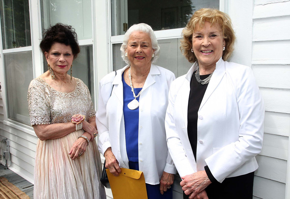 Photo - Ronnie Claire, Natalie Kopplin, Marilyn Smotherman. Photo by David Faytinger
