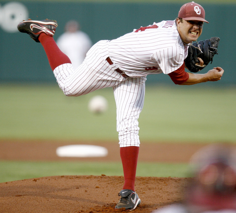 Photo - UNIVERSITY OF OKLAHOMA / BIG 12 TOURNAMENT / COLLEGE BASEBALL / PITCHER: OU's Andrew Doyle pitches during the Big 12 baseball tournament game between Oklahoma and Texas Tech at the AT&T Bricktown Ballpark in Oklahoma City, Wednesday, May 20, 2009. Photo by Bryan Terry, The Oklahoman ORG XMIT: KOD