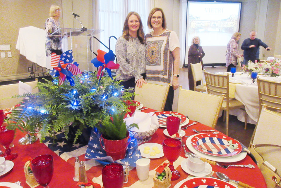 Photo - Michele Koopman, Robbi Kinnaird at Ann Costello and KoopmanÕs table. HELEN FORD WALLACE PHOTO, THE OKLAHOMAN