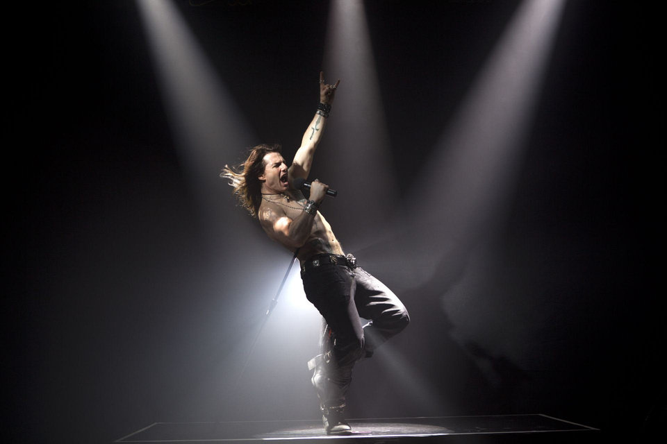 Photo - Tom Cruise stars as Stacee Jaxx in Warner Bros. Pictures' and New Line Cinema's rock musical