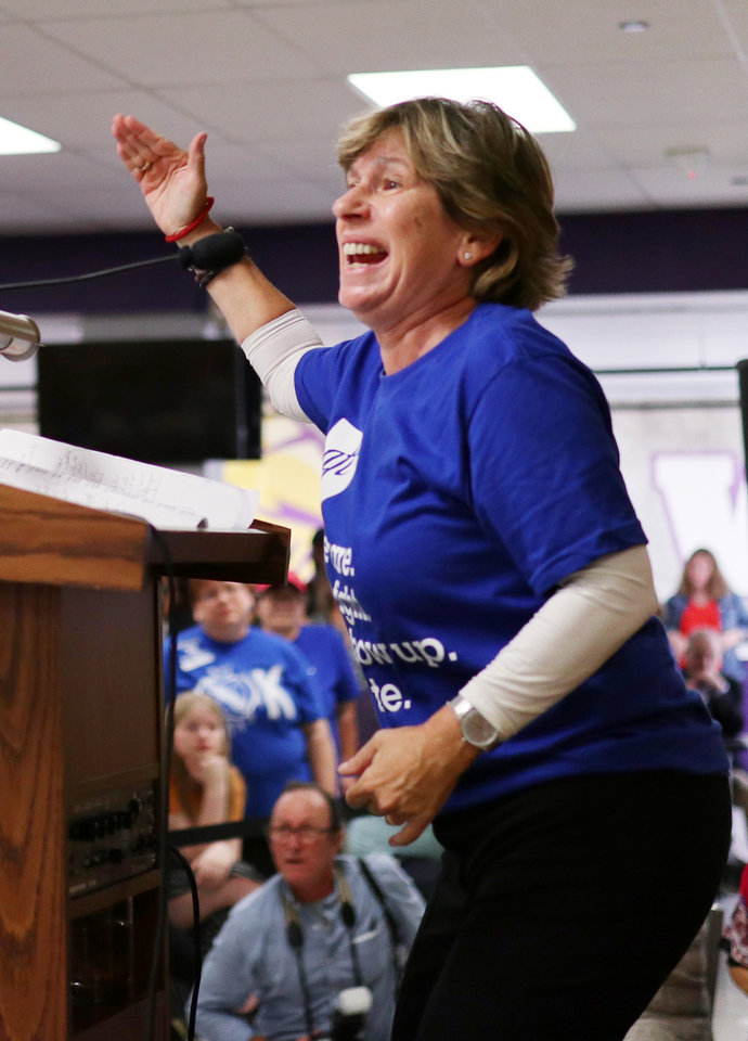 Photo - AFT President Randi Weingarten speaks during an AFT education rally at Northwest Classen High School, Saturday, September, 22, 2018.  Photo by Doug Hoke, The Oklahoman