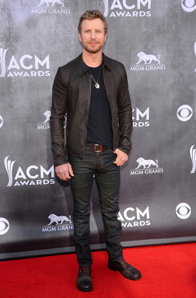 Photo - Dierks Bentley arrives at the 49th annual Academy of Country Music Awards at the MGM Grand Garden Arena on Sunday, April 6, 2014, in Las Vegas. (Photo by Al Powers/Powers Imagery/Invision/AP)