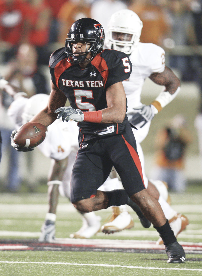 Photo - Texas Tech wide receiver Michael Crabtree will play a huge role in the game tonight against the Sooners. AP Photo