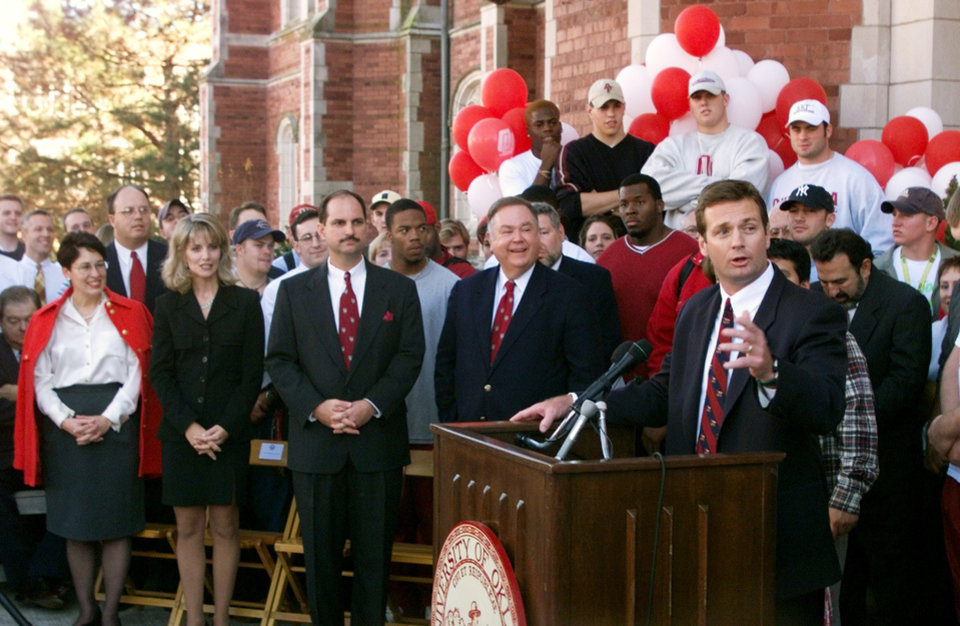 Bob Stoops speaks to crowd after being introduced as OU\'s new head football coach.