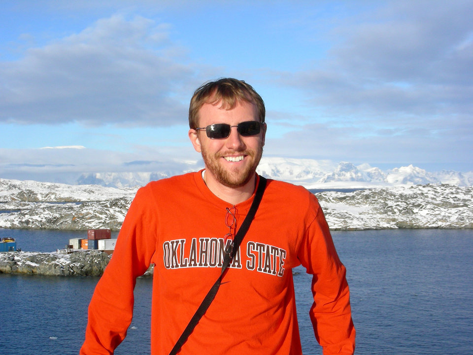 Photo - OKLAHOMA STATE UNIVERSITY / ICE RESEARCH: OSU researchers are shown here in Antarctica in 2007. Geology professor Alex Simms will return with two graduate students in the spring to study how ice rebounds from melting. PROVIDED ORG XMIT: KOD