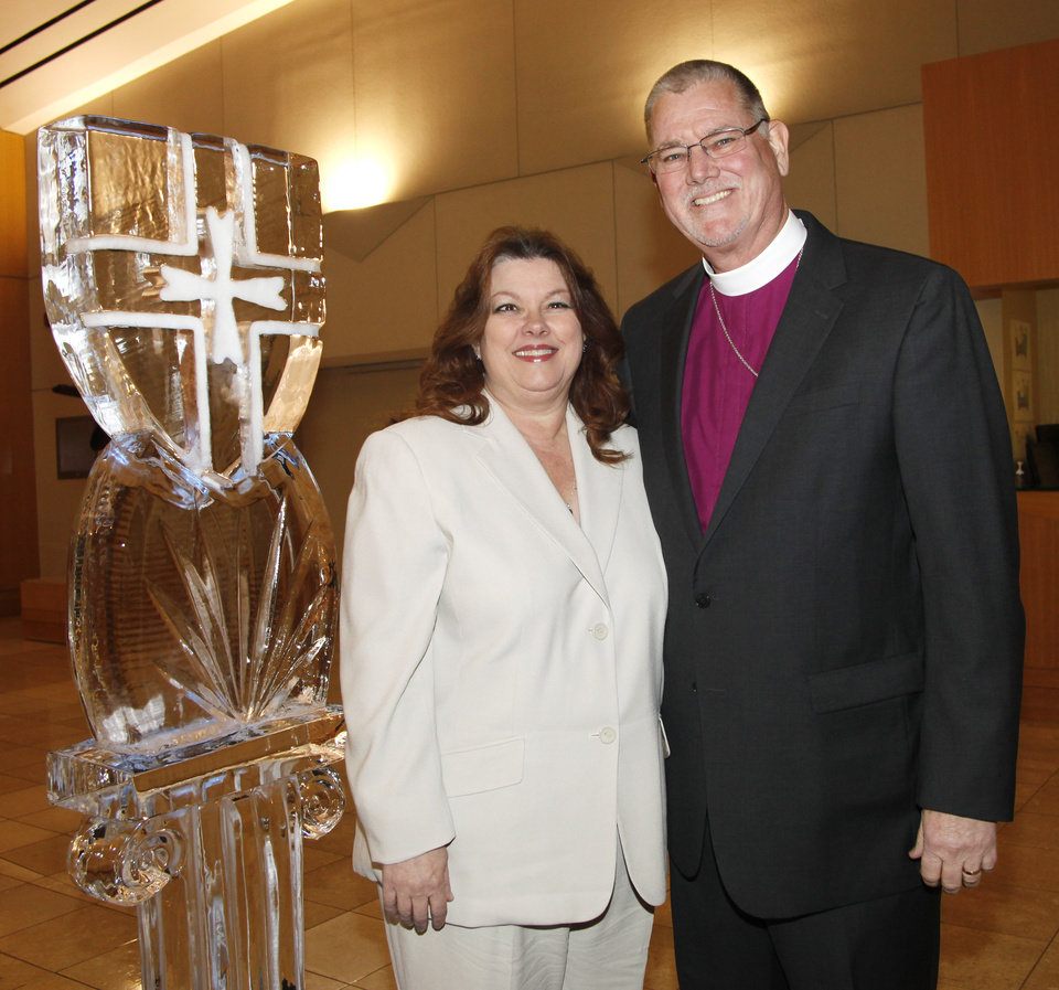 Bishop Ed and Debbie Konieczny during Casady School\'s 65th Anniversary party at The National Cowboy & Western Heritage Museum Saturday, Feb. 18, 2011. Photo by Doug Hoke, The Oklahoman