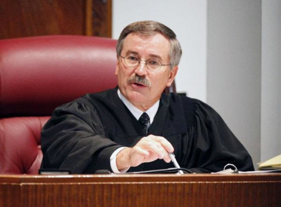 Oklahoma County District Judge Ray C. Elliott talks to a pharmacist's jury May 20.  <strong>PAUL HELLSTERN</strong>