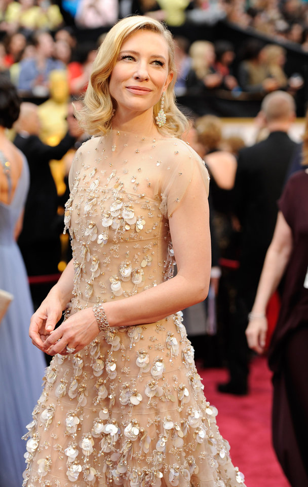 Photo - Cate Blanchett arrives at the Oscars on Sunday, March 2, 2014, at the Dolby Theatre in Los Angeles.  (Photo by Chris Pizzello/Invision/AP)