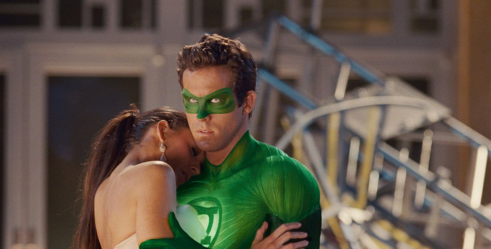 GL-0740 (L-r) BLAKE LIVELY as Carol Ferris and RYAN REYNOLDS as Green Lantern in Warner Bros. Pictures� action adventure �GREEN LANTERN,� a Warner Bros. Pictures release.