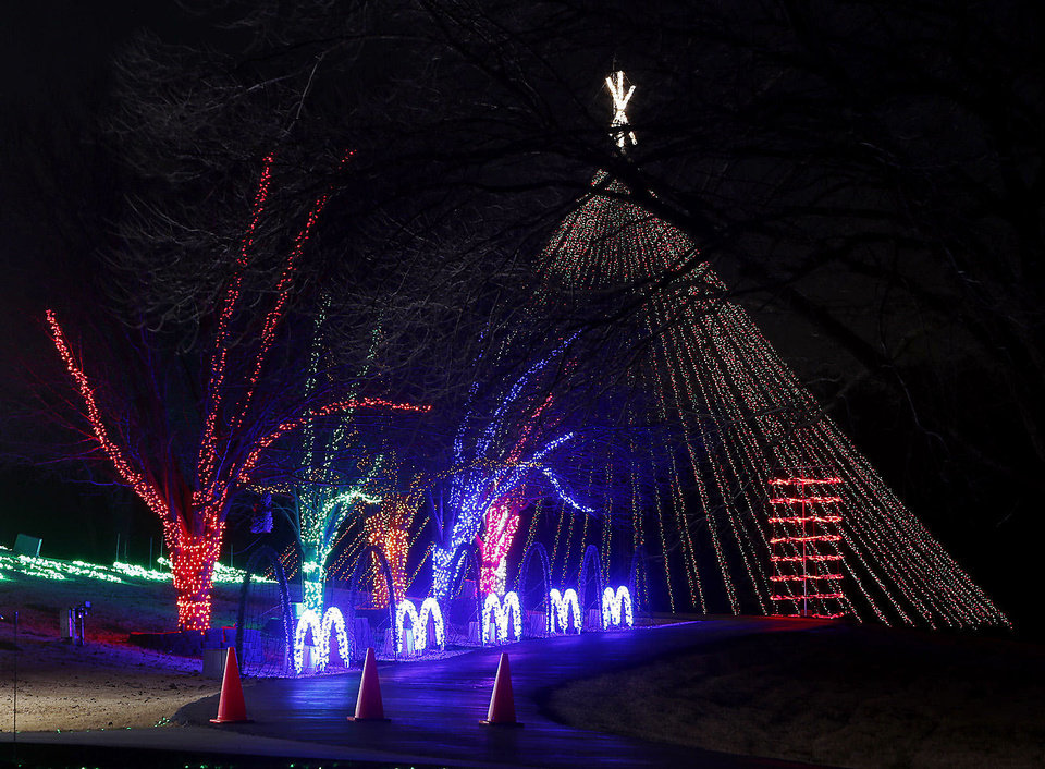 The Downs family Christmas display at 2900 72nd Ave. SE lights up the night, every night between now and Jan. 1. PHOTO BY STEVE SISNEY, THE OKLAHOMAN
