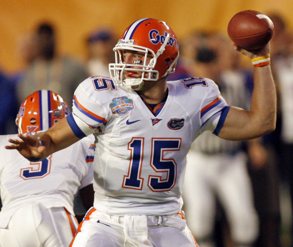 Florida's Tim Tebow (15) throws the ball against the Sooners during the first half of the BCS National Championship college football game between the University of Oklahoma Sooners (OU) and the University of Florida Gators (UF) on Thursday, Jan. 8, 2009, at Dolphin Stadium in Miami Gardens, Fla. 