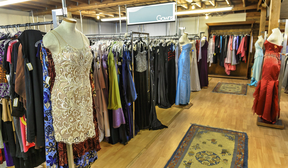 Inside Nearly New, a consignment shop in Oklahoma City. Photo by Chris Landsberger, The Oklahoman. <strong>CHRIS LANDSBERGER</strong>
