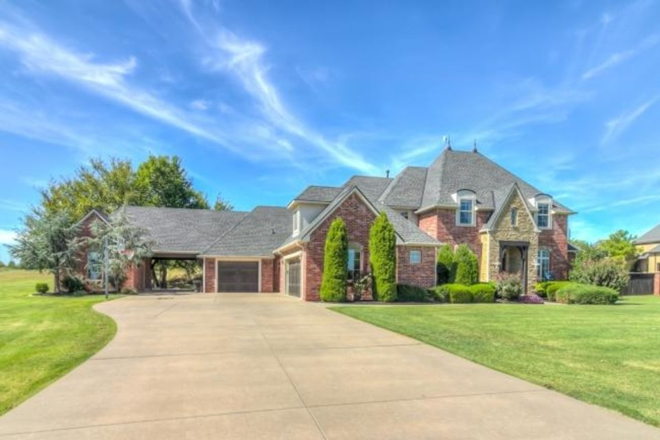Photo -  The Listing of the Week is at 18011 Carlton Drive, Edmond. [PHOTO PROVIDED]