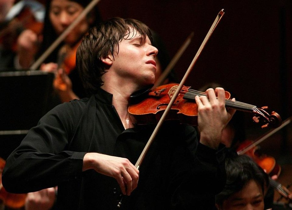 Photo - Joshua Bell [Chris Lee photo]