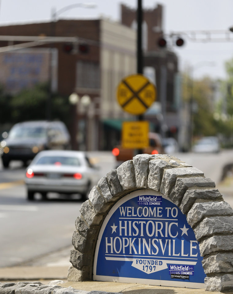 Hopkinsville (KY) United States  city images : photo shows a welcome sign at the downtown area of Hopkinsville, Ky ...