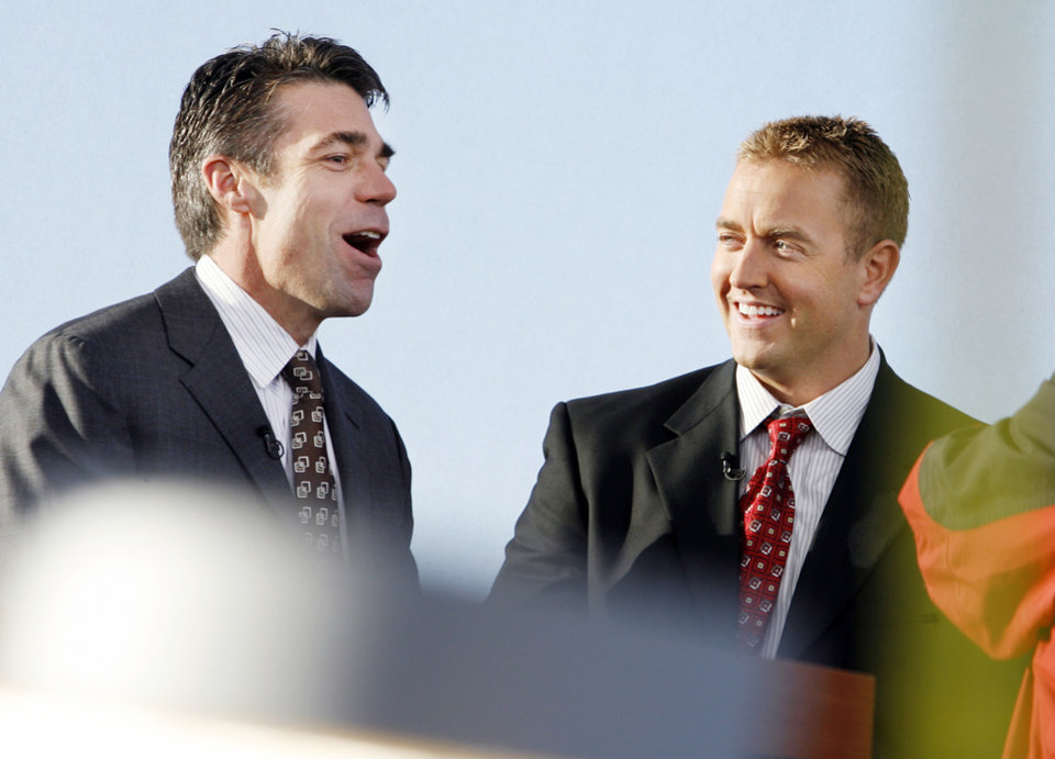 Photo - EOU / TEXAS TECH / COLLEGE FOOTBALL GAME / PREPARE / PREPARATION: SPN College Game Day anchors Chris Fowler and Kirk Herbstreit talk on the set at John Jacobson Track Field at the University of Oklahoma in Norman, Oklahoma,  on Friday November 21, 2008.      By Steve Sisney, The Oklahoman   ORG XMIT: KOD