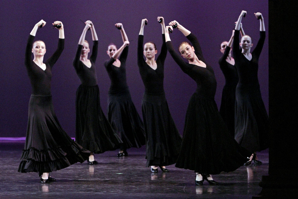 Photo - Dance students with the SummerWind Youth Ballet perform for the public Saturday at the Donald W. Reynolds Performing Arts Center at the University of Oklahoma. PHOTO BY STEVE SISNEY, THE OKLAHOMAN  STEVE SISNEY