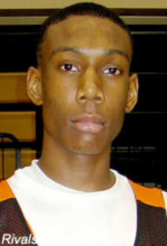 Photo - Oklahoma State signed 6-foot-10 Dallas Carter senior  Jarred  Shaw to a national basketball letter of intent.