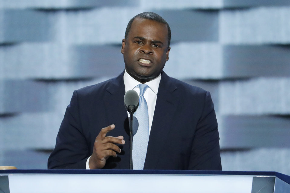Photo - Atlanta Mayor Kasim Reed speaks during the third day of the Democratic National Convention in Philadelphia , Wednesday, July 27, 2016. (AP Photo/J. Scott Applewhite)
