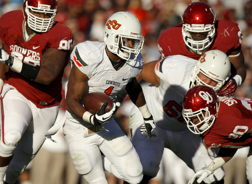BEDLAM FOOTBALL: Joseph Randle (1) runs during the Bedlam college football game between the University of Oklahoma Sooners (OU) and the Oklahoma State University Cowboys (OSU) at Gaylord Family-Oklahoma Memorial Stadium in Norman, Okla., Saturday, Nov. 24, 2012. Photo by Bryan Terry, The Oklahoman