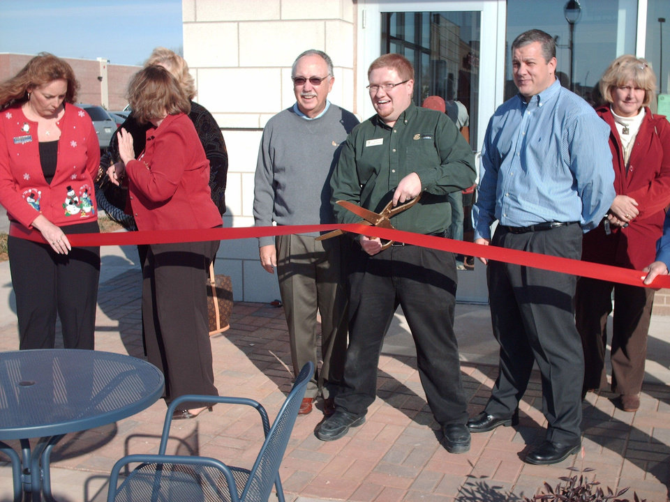 Ribbon cutting for Midwest Cities Panerabread<br/><b>Community Photo By:</b> Glenn Goldschlager<br/><b>Submitted By:</b> Glenn, Midwest City