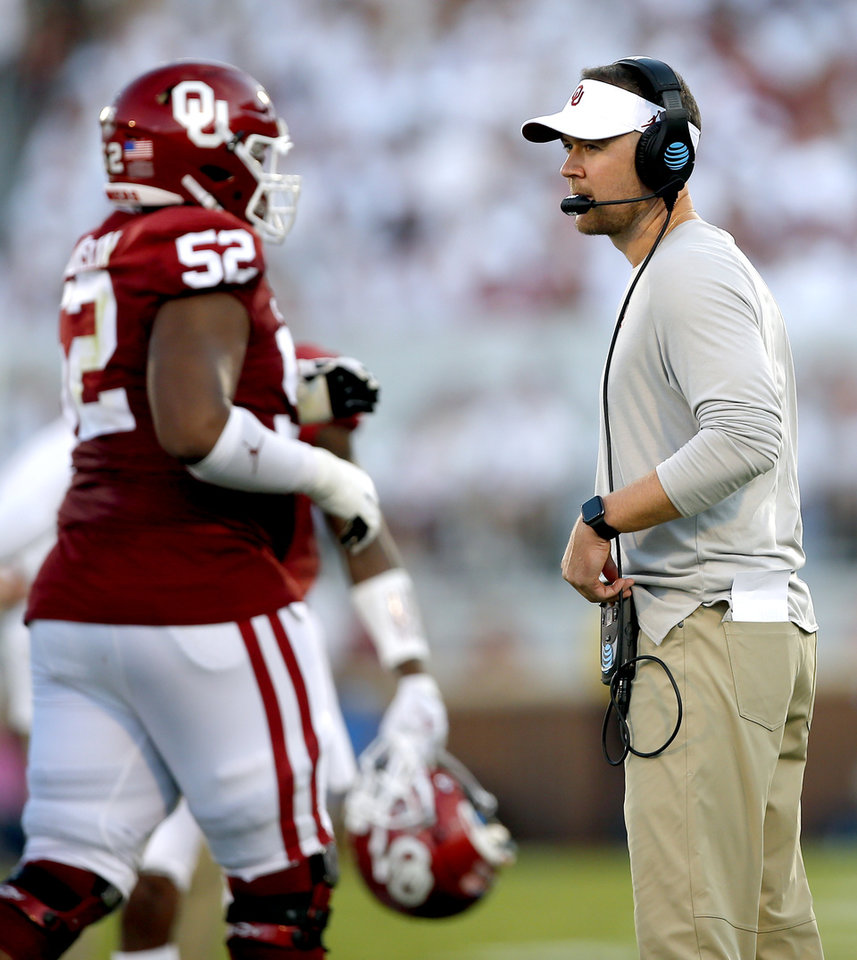 Photo - Oklahoma head coach Lincoln Riley coaches during a college football game between the University of Oklahoma Sooners (OU) and the Houston Cougars at Gaylord Family-Oklahoma Memorial Stadium in Norman, Okla., Sunday, Sept. 1, 2019. [Sarah Phipps/The Oklahoman]