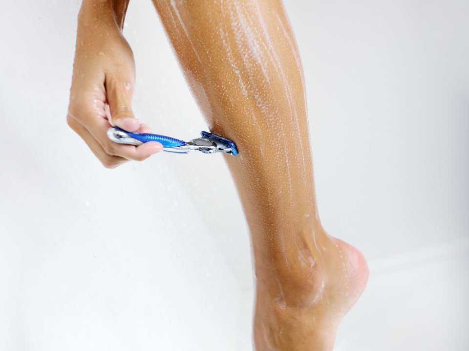 Photo - Ladies, are you making mistakes while shaving in the shower?