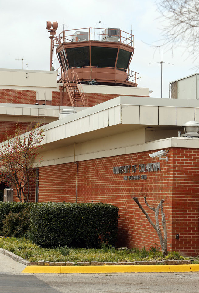 Photo - The air traffic control tower at the University of Oklahoma's Max Westheimer Airport is active on Thursday, April 4, 2013 in Norman.  Photo by Steve Sisney, The Oklahoman  STEVE SISNEY - THE OKLAHOMAN