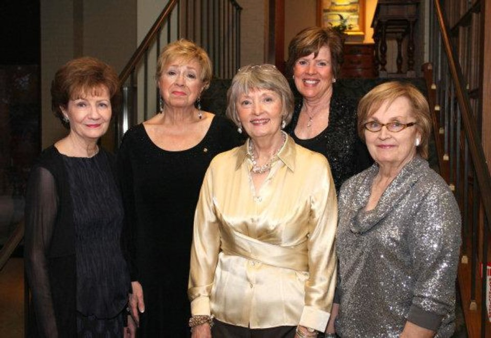 Photo - Bobbie Moore, Sandra Martin, Angela Bachman, Dody Allshouse, Carole Heitz. PHOTO BY DAVID FAYTINGER, FOR THE OKLAHOMAN