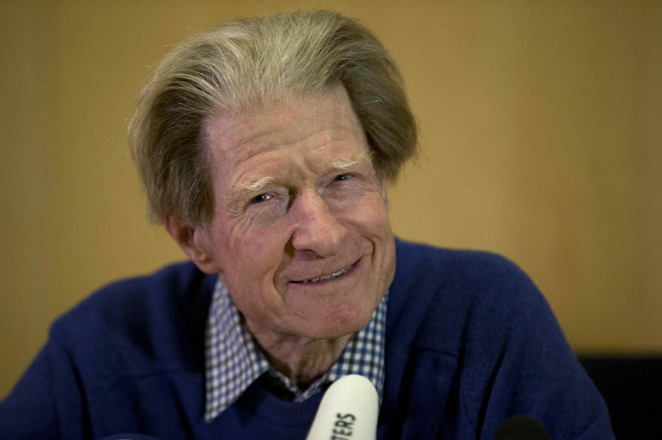 Photo -   British scientist John Gurdon speaks during a news conference in London, Monday, Oct. 8, 2012. Gurdon and a Japanese scientist, Shinya Yamanaka, won the Nobel Prize in physiology or medicine on Monday for discovering that ordinary cells of the body can be reprogrammed into stem cells, which then can turn into any kind of tissue — a discovery that may led to new treatments. (AP Photo/Matt Dunham)