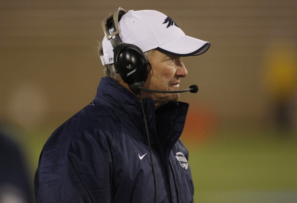 Photo -   Nevada head coach Chris Ault looks on as time runs out in the fourth quarter of Air Force's 48-31 victory over Nevada in an NCAA college football game in Air Force Academy, Colo., on Friday, Oct. 26, 2012. (AP Photo/David Zalubowski)