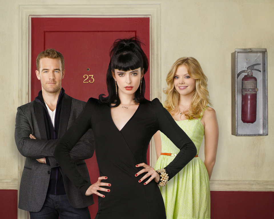 "Photo -  DON'T TRUST THE B---- IN APARTMENT 23 - ABC's ""Don't Trust the B---- in Apartment 23"" stars James Van Der Beek as James Van Der Beek, Krysten Ritter as Chloe and Dreama Walker as June.  (ABC/BOB D'AMICO)"
