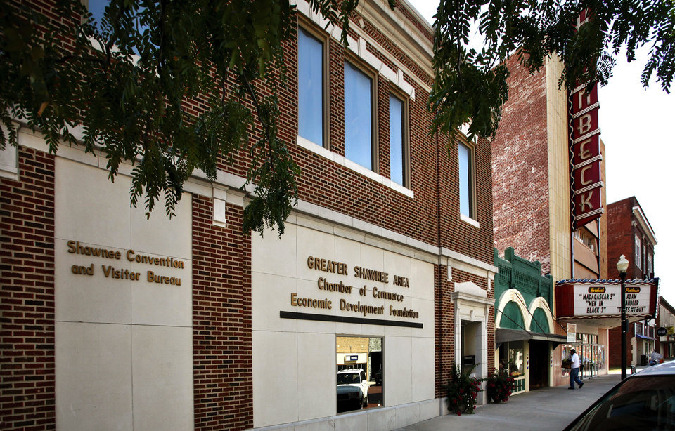 Photo - This building on the southeast corner of E 9 and Bell Street  in Shawnee is the office of the Shawnee Chamber of Commerce and the Convention and Visitor Bureau.  Photo taken  Aug. 21,  2012.     Photo by Jim Beckel, The Oklahoman.  Jim Beckel