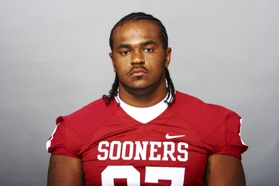 Photo - Jamarkus McFarland, University of Oklahoma (OU) college football player      ORG XMIT: 0910152203565021