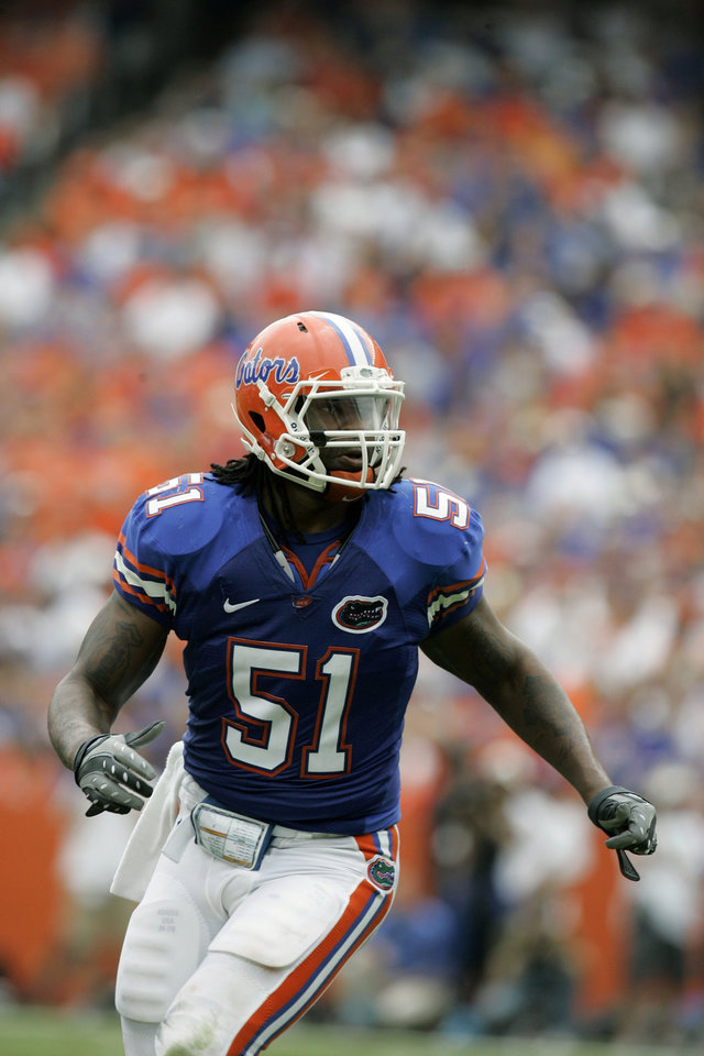 Photo - University of Florida linebacker Brandon Spikes during the first half of an NCAA college football game against Kentucky in Gainesville, Fla., Saturday, Oct. 25, 2008.  (AP Photo/John Raoux) ORG XMIT: OTKJR322
