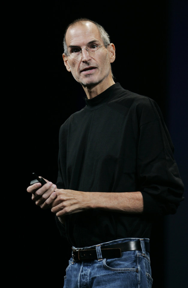 Photo -   FILE - This Sept. 9, 2009 file photo shows Apple CEO Steve Jobs at an Apple event in San Francisco. The 18th edition of