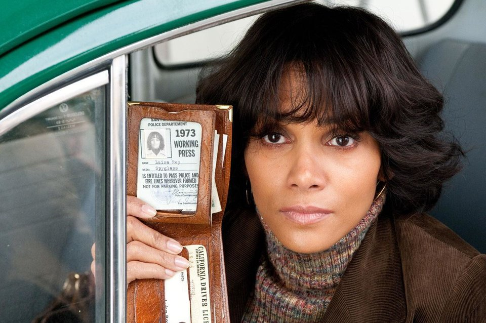 Halle Berry stars as American reporter Luisa Rey in one of the six intersecting stories told in the movie