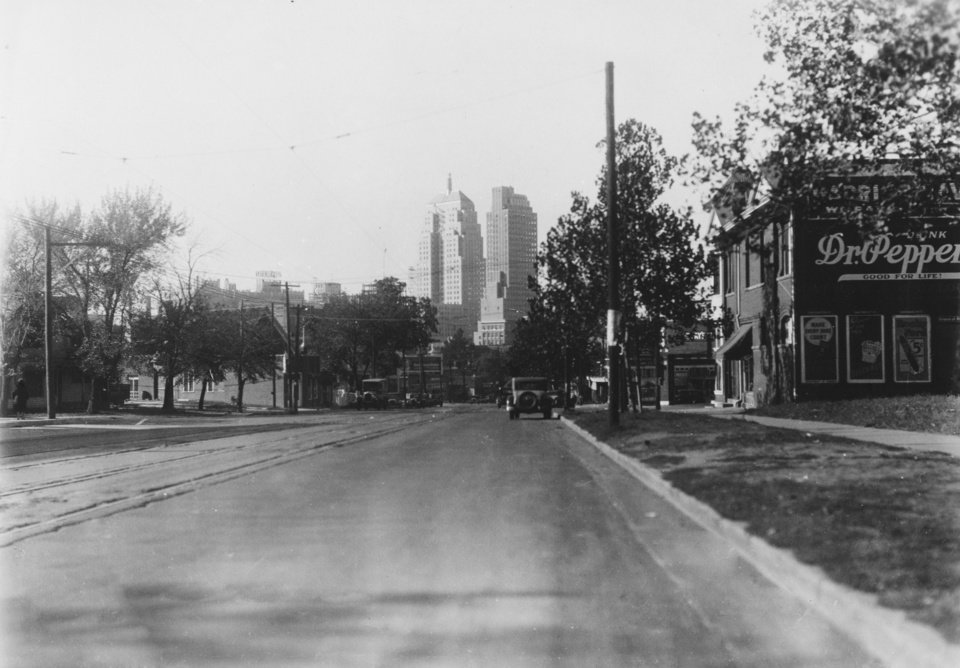 OKLAHOMA CITY / SKY LINE / OKLAHOMA:  716 N W 19th.  Staff photo by G. K. Hays.  Photo undated and unpublished.  Photo arrived in library on 12/10/1931.