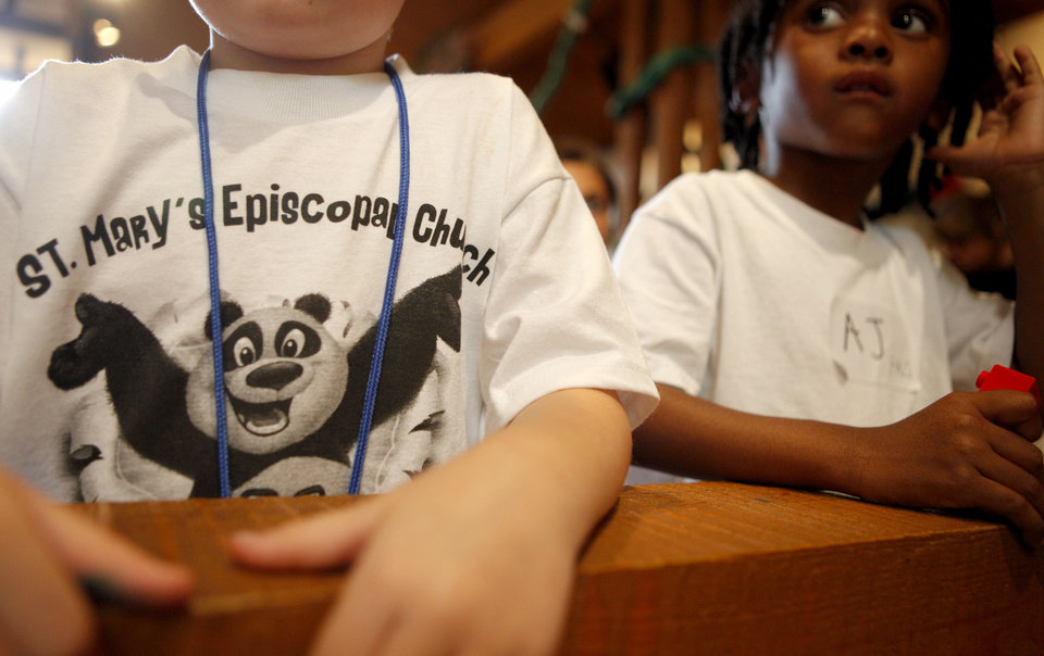 Photo - Children attend the 2011 vacation Bible school at St. Mary's Episcopal Church in Edmond.  BRYAN TERRY - THE OKLAHOMAN