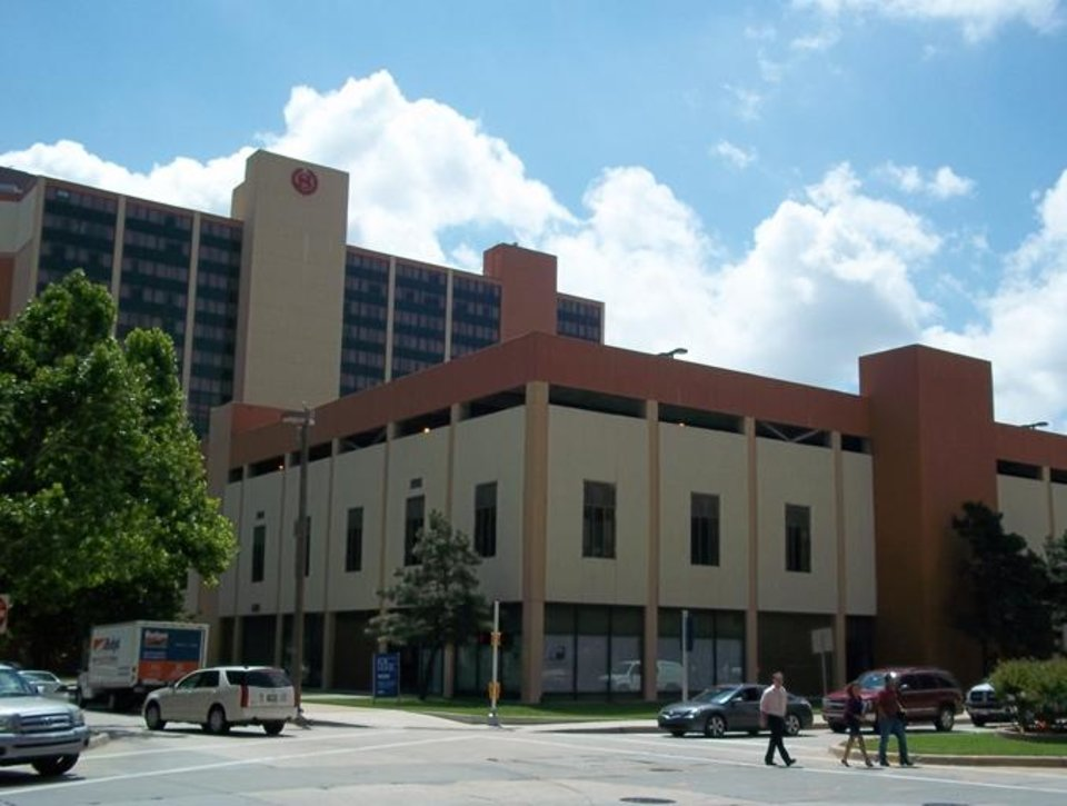 Photo -  Century Center, the corner of Sheridan and Robinson Avenues, 2007.