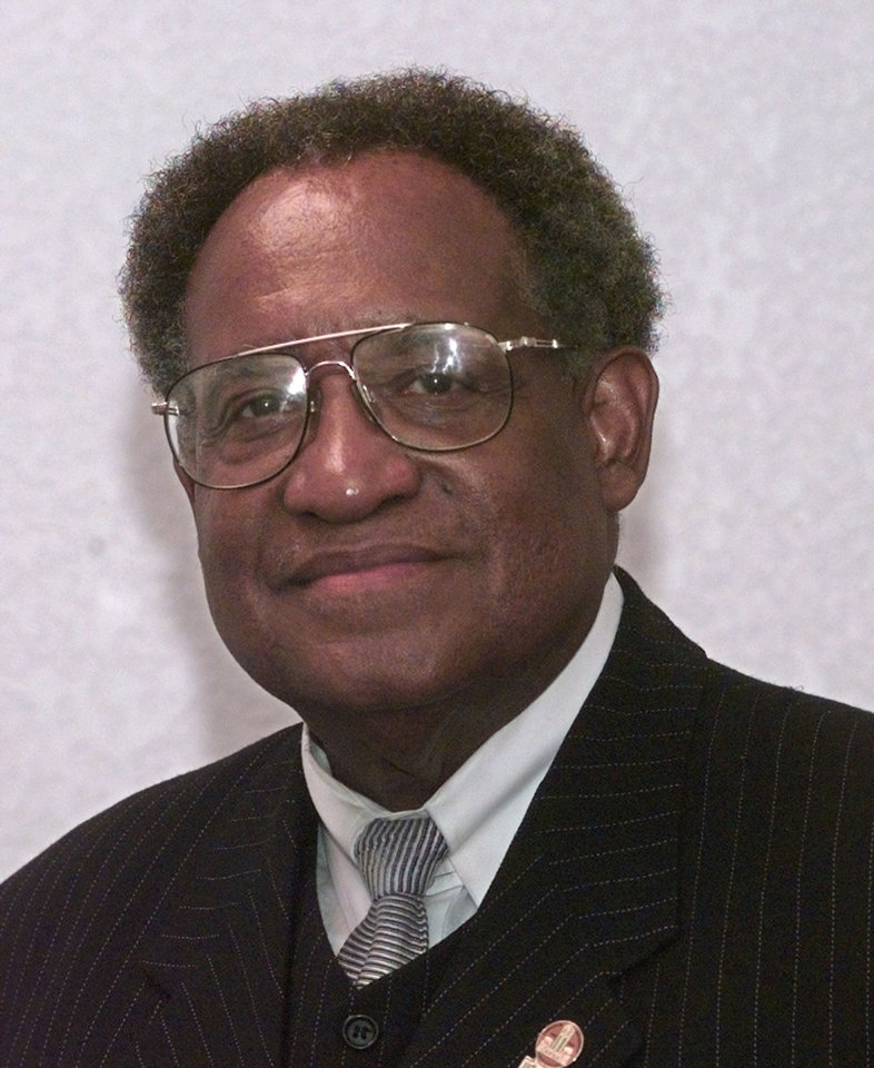 Dr. Ernest Holloway, former president of Langston University. Holloway died in December. <strong>BRYAN TERRY - The Oklahoman Archives</strong>