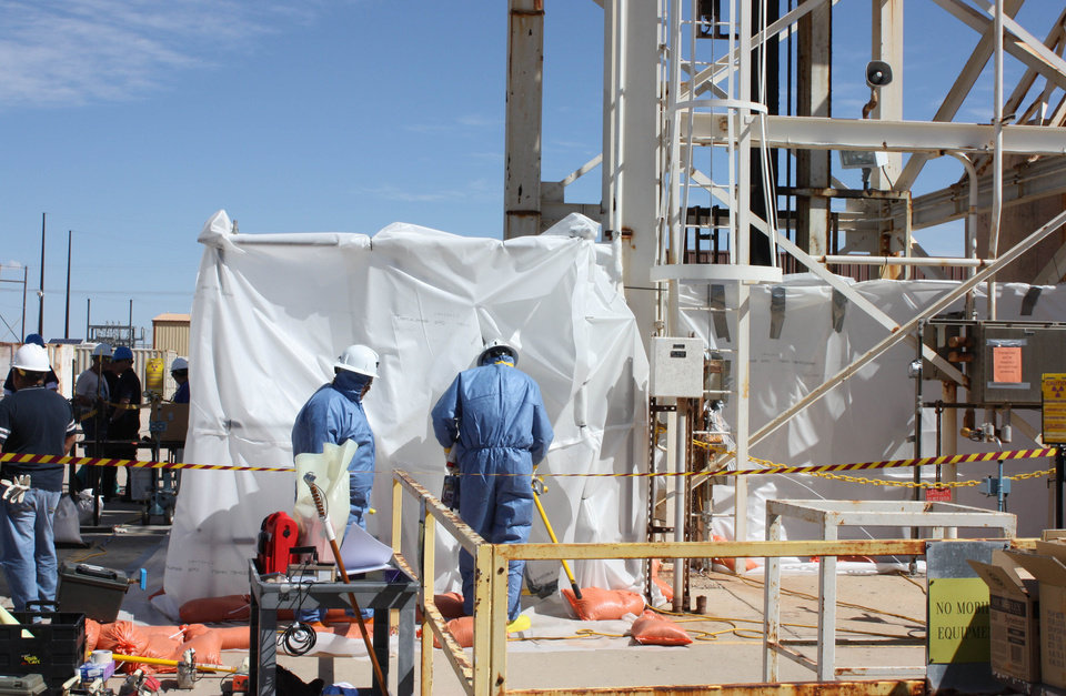 Photo -   Specially-trained workers make unmanned tests March 7 in a nuclear waste dump in Carlsbad, N.M.   AP Photo   Anonymous - AP