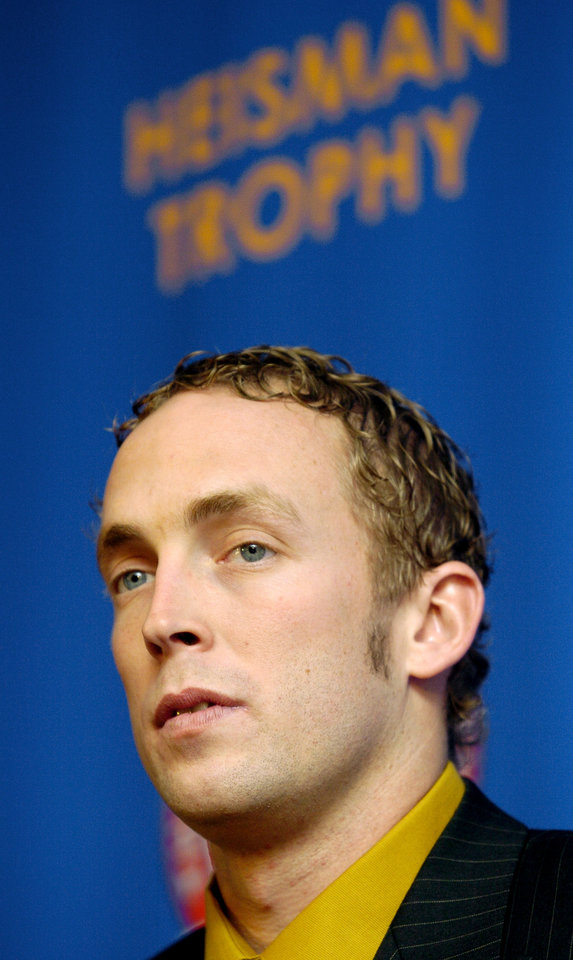 Photo - OU COLLEGE FOOTBALL: Jason White of the University of Oklahoma talks after finishing third in the Heisman trophy race, in New York City, Saturday, December 11, 2004.  By Bryan Terry/The Oklahoman