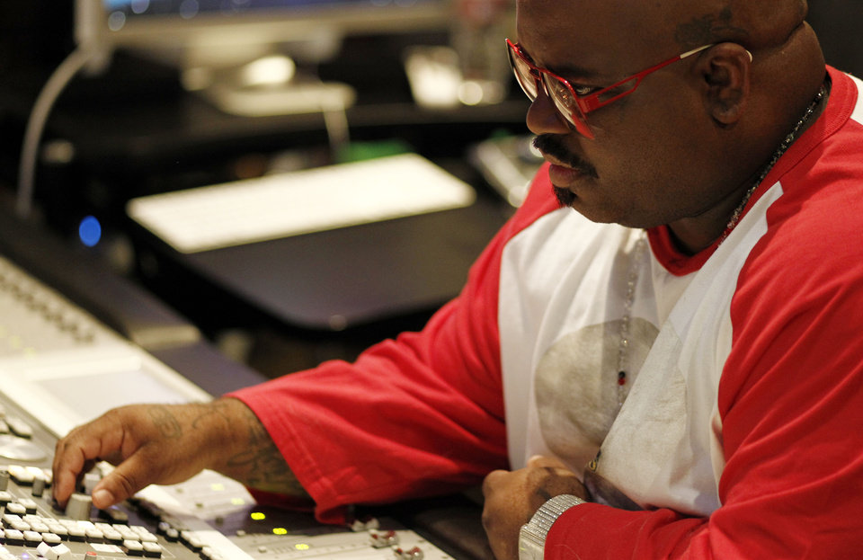Photo -   In this May 2, 2012 photo, musician Cee-Lo Green is shown in a music studio in Los Angeles. Green, a judge on the singing competition series