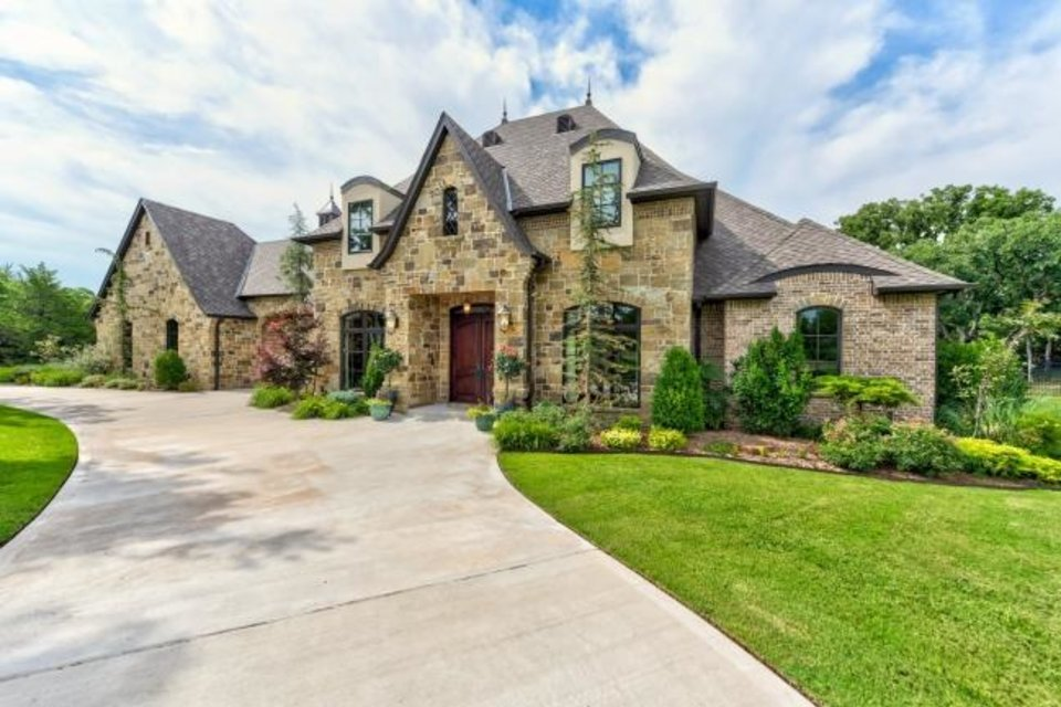 Photo -  The Listing of the Week is at 6800 Cave Creek Point in Edmond. [PHOTO PROVIDED]