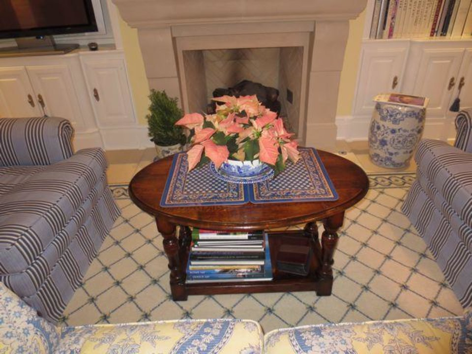 Beautiful flowers were throughout the Dudman home. (Photo by Helen Ford Wallace).