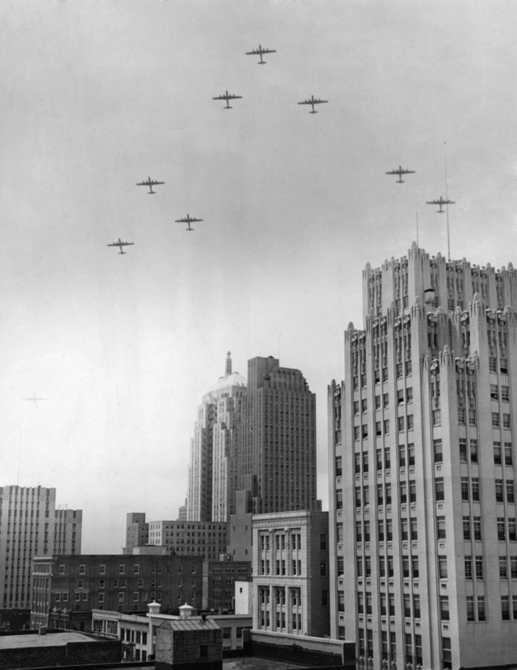 OKLAHOMA CITY / SKY LINE / OKLAHOMA:  No caption.  Staff photo by Joe Miller.  Photo dated 04/22/1947 and unpublished.  Photo arrived in library on 05/23/1947,
