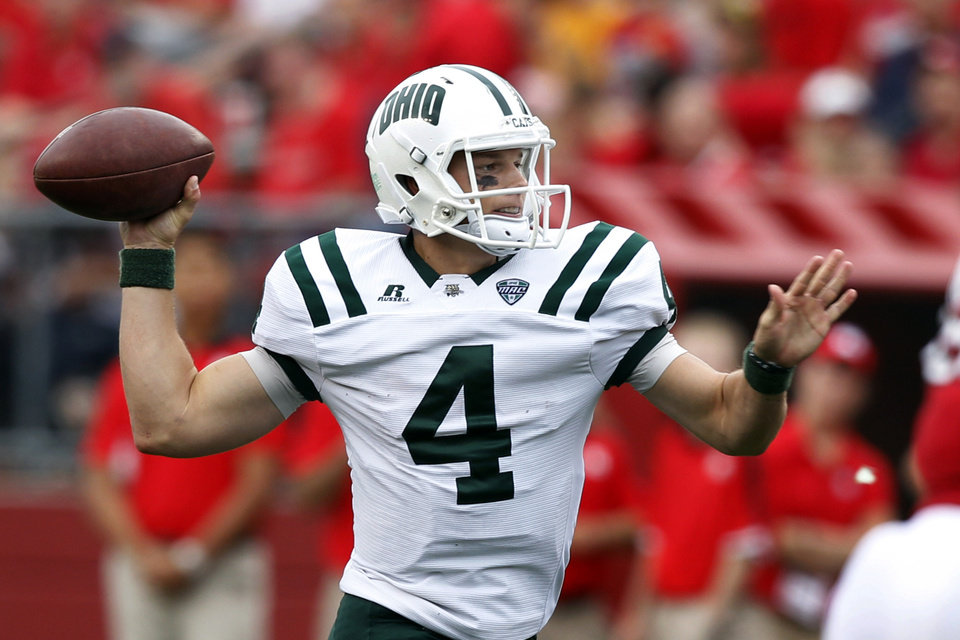 Photo - Ohio quarterback Tyler Tettleton (4) throws a pass during the second half of an NCAA college football game against Rutgers in Piscataway, N.J., Saturday, Sept. 24, 2011. Rutgers won 38-26. (AP Photo/Mel Evans) ORG XMIT: NJME114