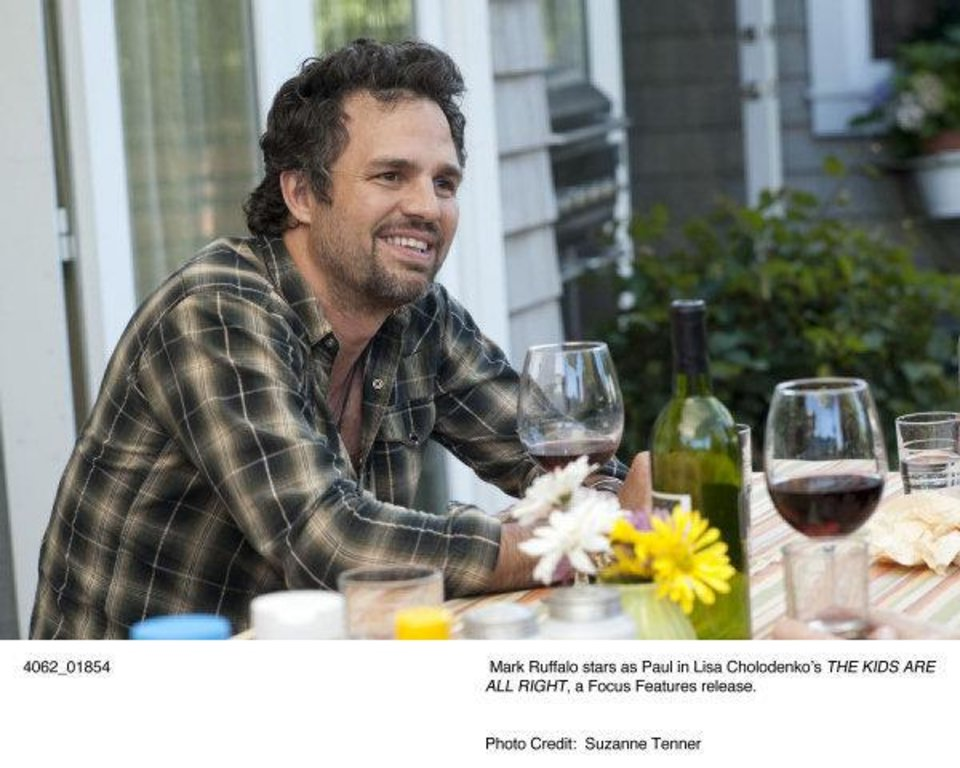 "Best supporting actor nominee Mark Ruffalo is shown in a scene from ""The Kids Are All Right."" FOCUS FEATURES PHOTO <strong></strong>"